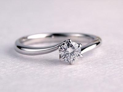 ラインのきれいな手作り婚約指輪
