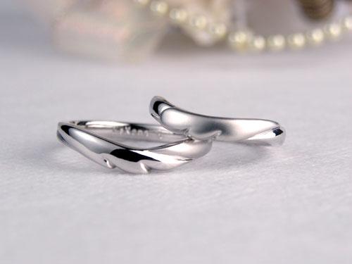 天使の羽の手作り結婚指輪