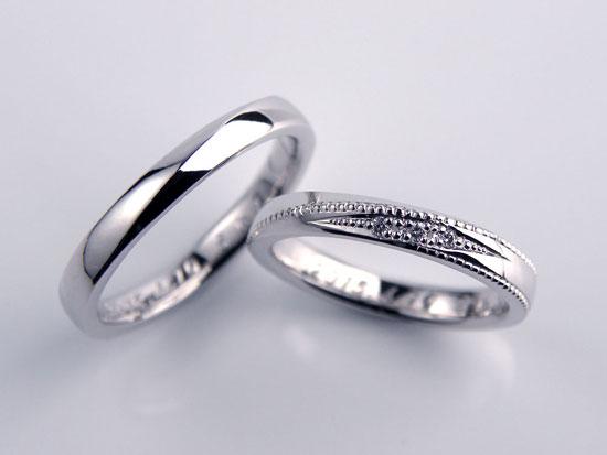 エッジにミル打ちの手作り結婚指輪