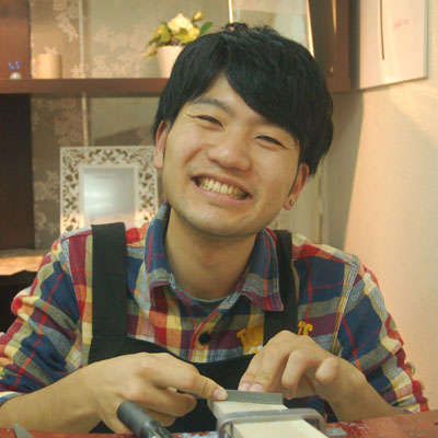 笑顔で作業
