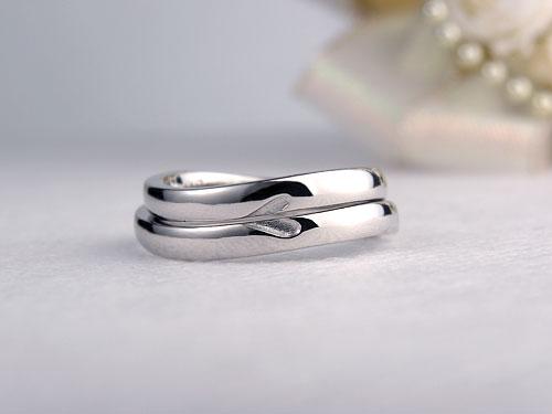 裏側にハートの手作り結婚指輪
