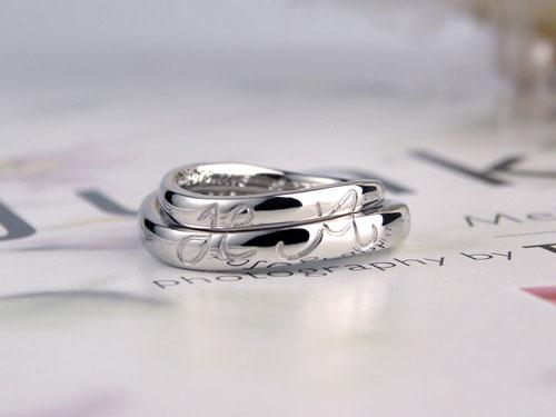 合わせるとイニシャル手作り結婚指輪