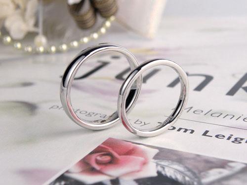 国際結婚カップルの手作り結婚指輪