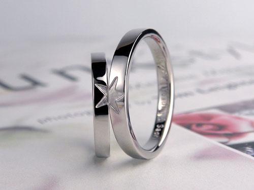 合わせると星が浮かぶ結婚指輪
