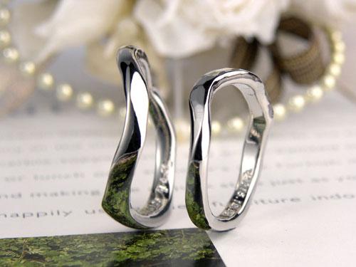 芸術的に歪んだ結婚指輪