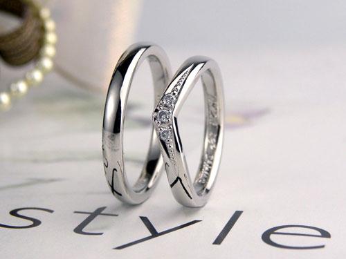 V字型とストレート型の手作り結婚指輪