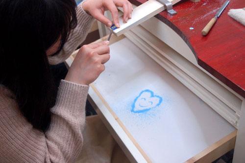 ワックスの削り粉で可愛いハート