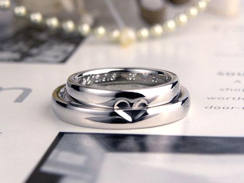 ハートが浮かぶ結婚指輪