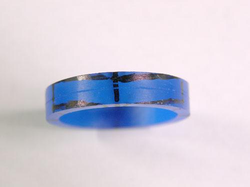 歪んだ指輪の形はワックスを削りだし