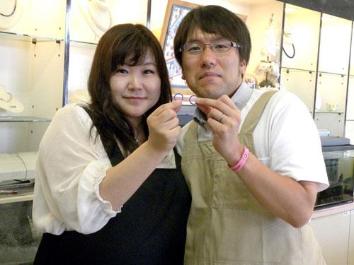手作り結婚指輪が完成した2人
