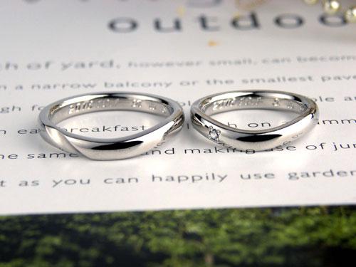 V字型ダイヤとツヤ消しラインの手作り結婚指輪