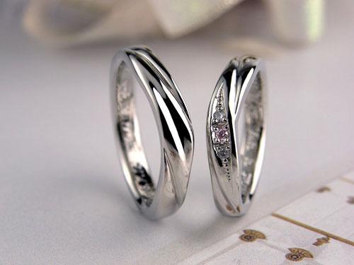 シルクカーテンのような手作り結婚指輪