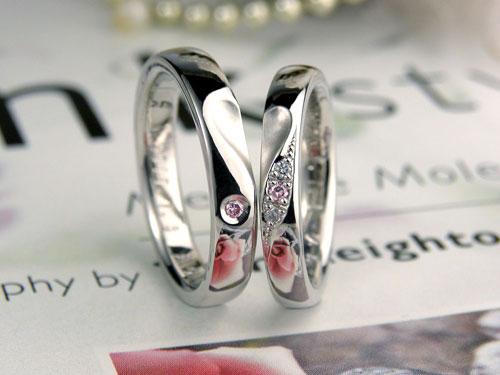 ハート浮かぶピンクダイヤ手作り結婚指輪