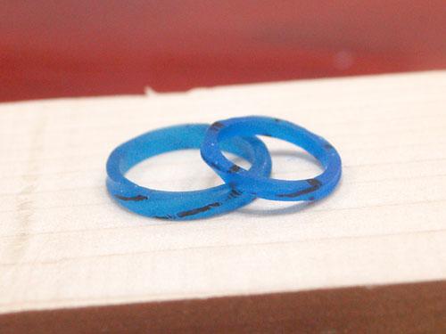 螺旋状にねじれた結婚指輪原型