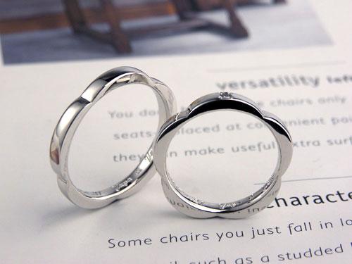 花の形のプラチナ手作り結婚指輪
