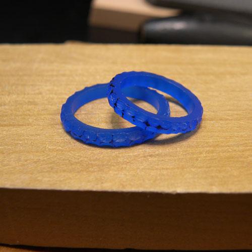 完成した手作り結婚指輪ワックス原型