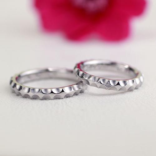 輝きが連なってキラキラした手作り結婚指輪