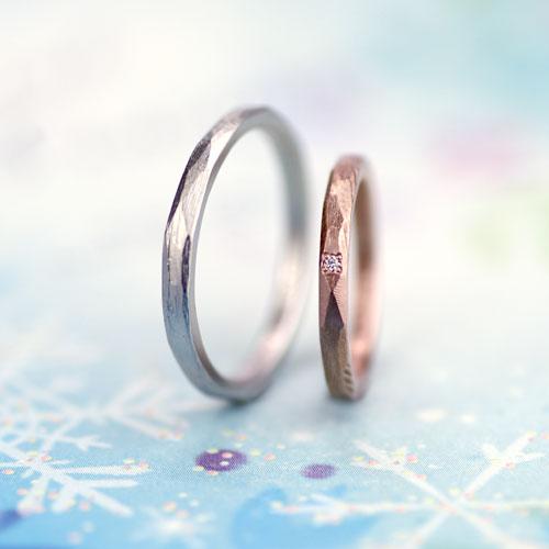 ヤスリ目を残したナチュラルな手作り結婚指輪