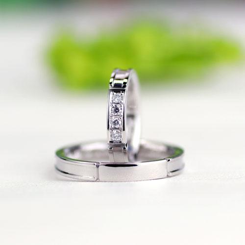 クールでスタイリッシュ段付きがブランド調の手作り結婚指輪