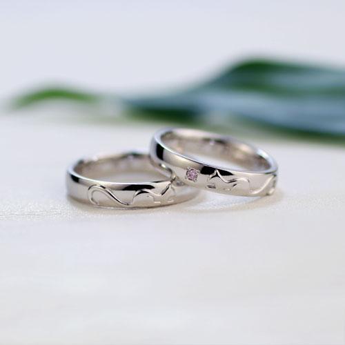 ピンクダイヤのネコ結婚指輪