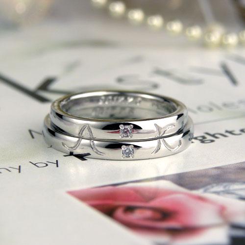 イニシャルが浮かぶ手作り結婚指輪