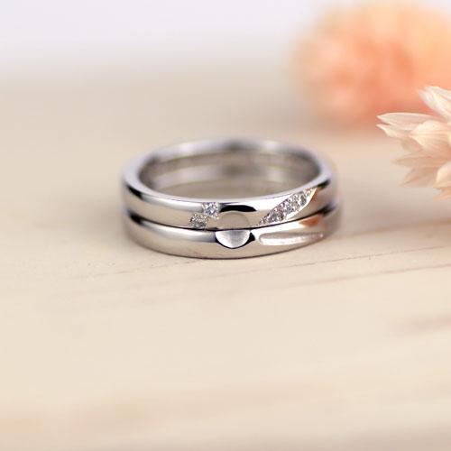 トンボ模様の浮かぶ手作り結婚指輪