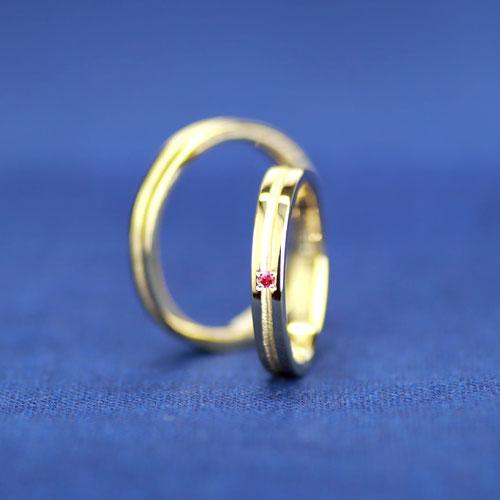 イエローゴールドとルビーの手作り結婚指輪