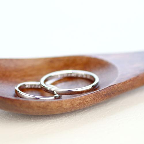 シンプルな甲丸型手作り結婚指輪