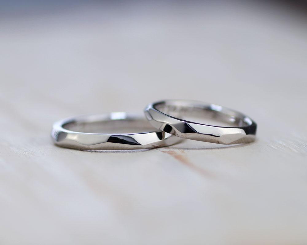 削った面を活かして光沢手作り結婚指輪