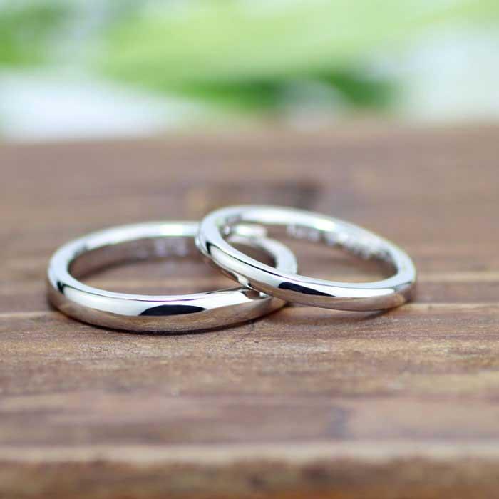 シンプルなストレートのプラチナ手作り結婚指輪
