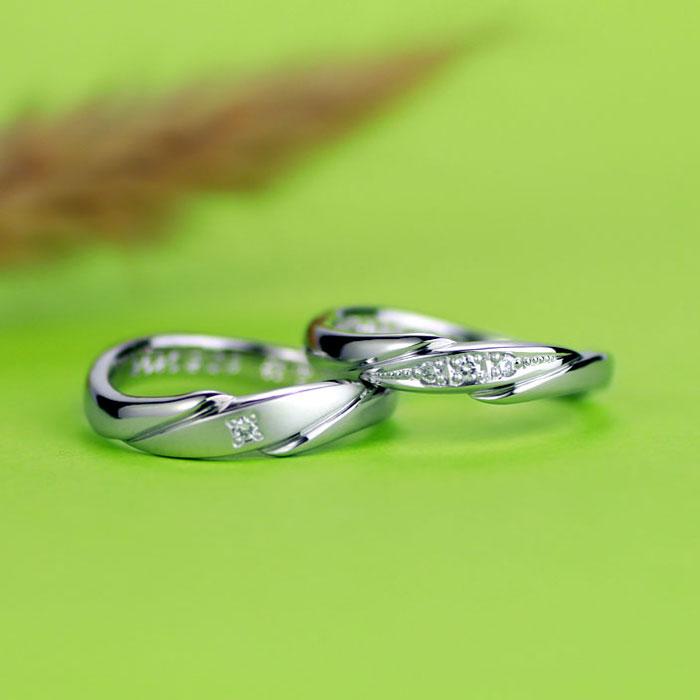 花びらのガクのような手作り結婚指輪