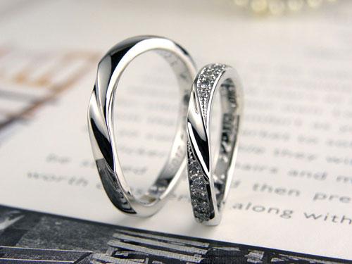 サイドにダイヤを豪華に留めた手作り結婚指輪