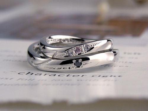 ハートとダイヤとイニシャルで完全オリジナルの手作り結婚指輪