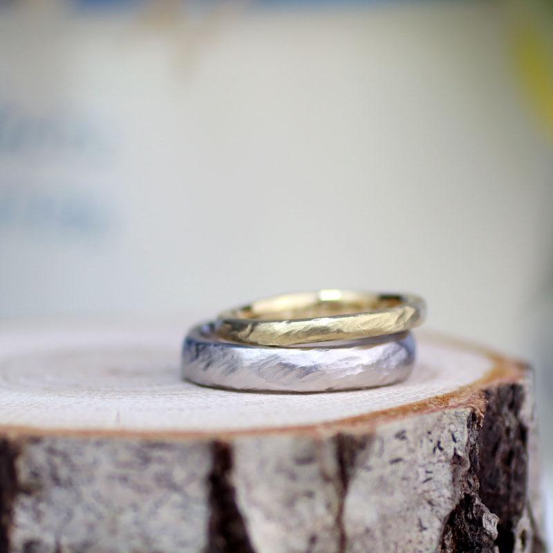 手作り感あるアンティーク結婚指輪