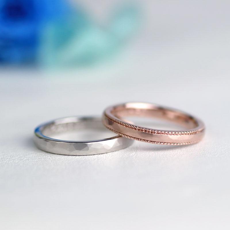 槌目のつや消しミル打ち結婚指輪