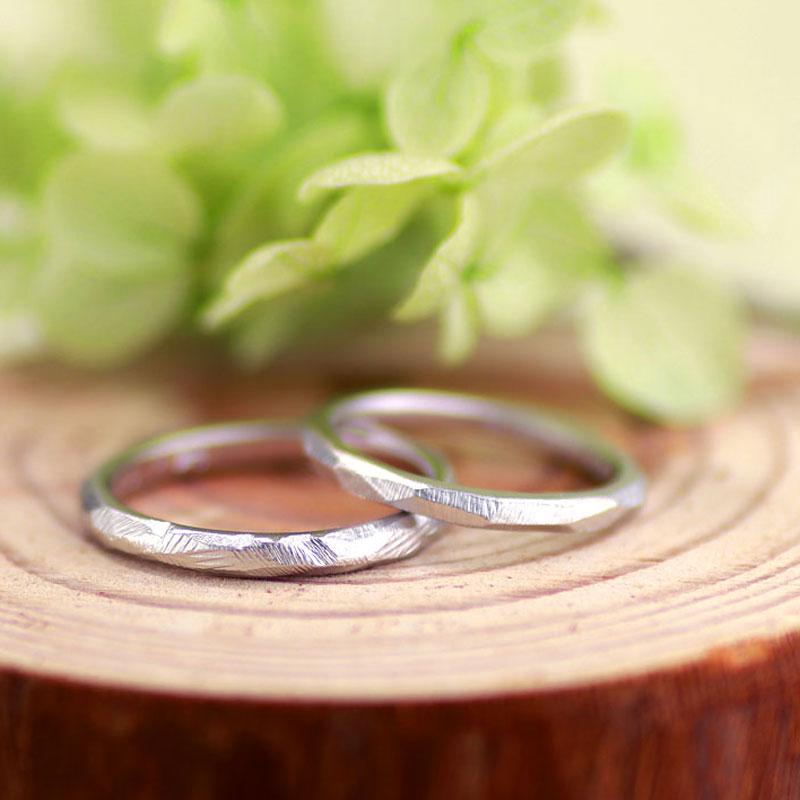 いびつな凸凹手作り結婚指輪
