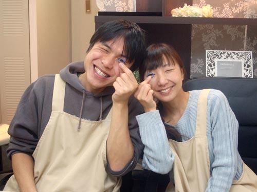 大阪工房で結婚指輪を手作りした二人
