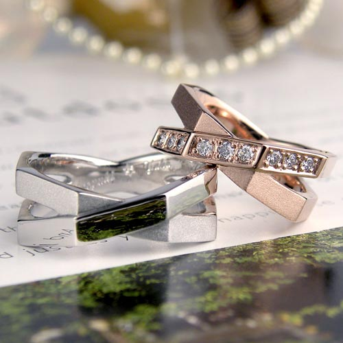 X型の個性的な手作り結婚指輪