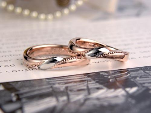 プラチナとピンクゴールドのリボン手作り結婚指輪