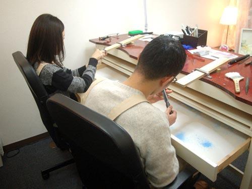 手作り結婚指輪作業