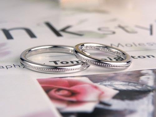 中央ミル打ち手作り結婚指輪