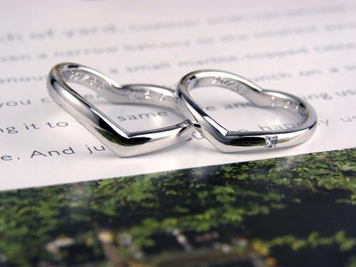 ハート型に見えるシルエットの手作り結婚指輪