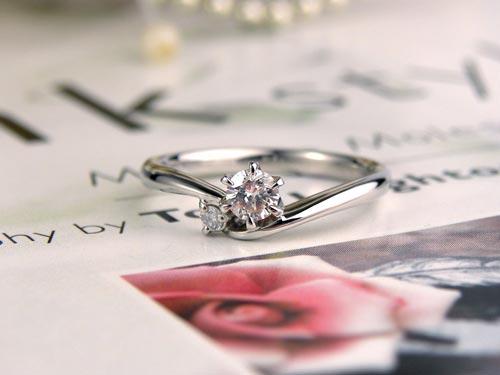 サプライズで手作りして完成した婚約指輪