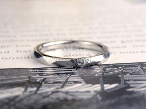 自然仕上げのプラチナ手作り結婚指輪