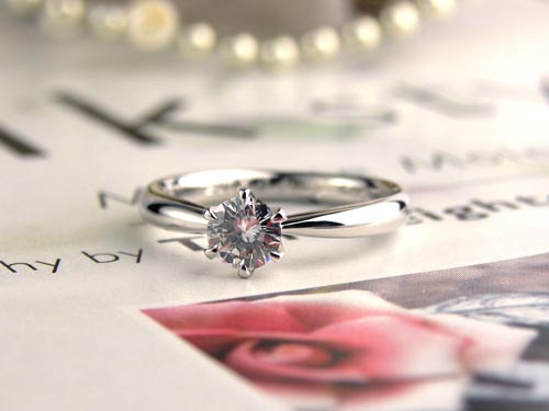 プラチナダイヤモンド手作り婚約指輪