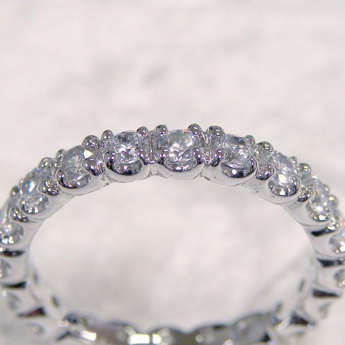 爪留めの結婚指輪