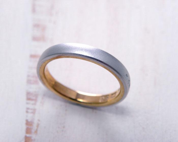プラチナとゴールドのコンビネーション結婚指輪