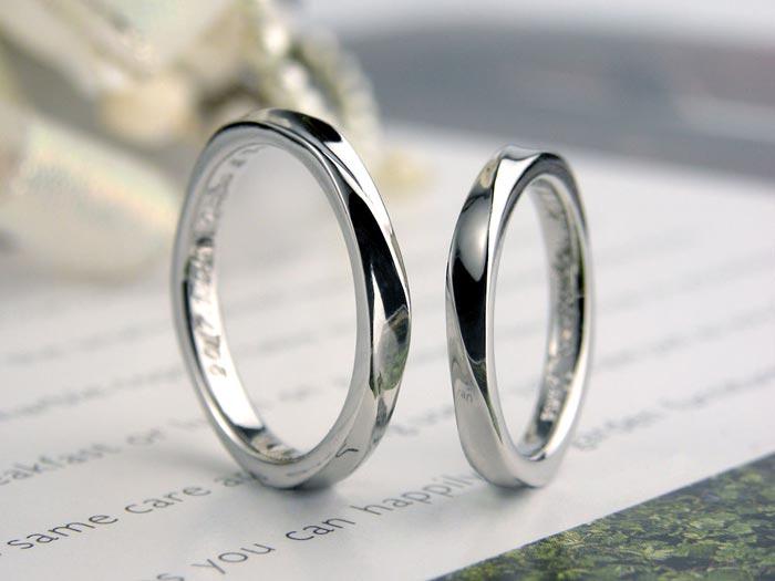 螺旋模様の手作り結婚指輪
