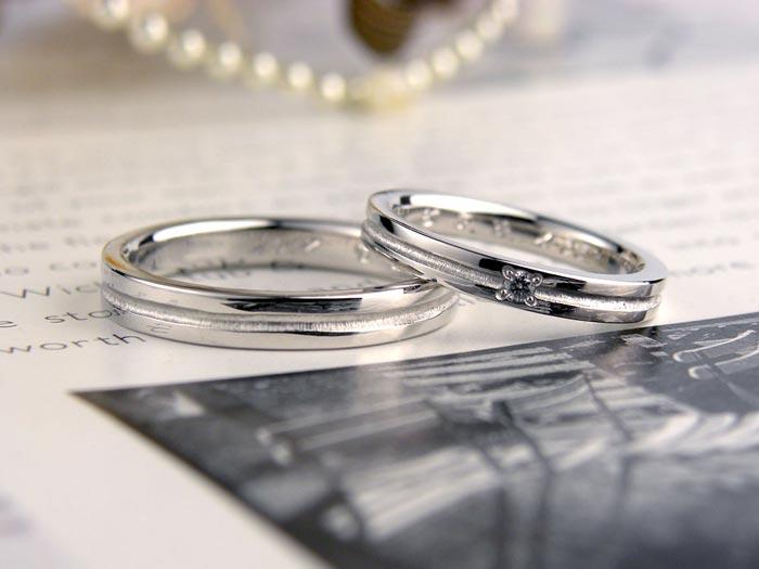 中央ラインのカジュアル手作り結婚指輪