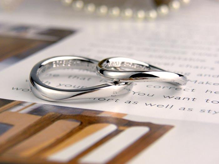 ウェーブ型の手作り結婚指輪
